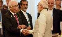 Sartaj Aziz, Modi exchange pleasantries in brief encounter