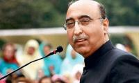 Abdul Basit scolds Indian official for trying to stop Pakistani journalists