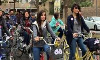 Young Iraqi woman in taboo-breaking bike ride