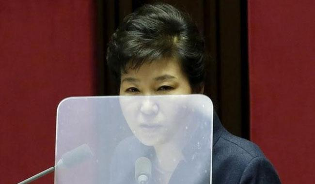 South Korea's Park digs in, as tycoons deny seeking favours
