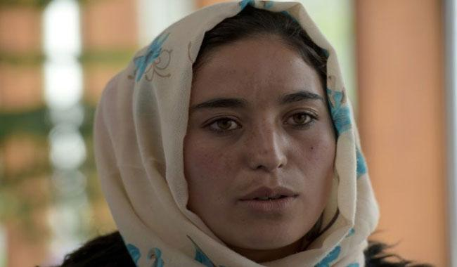Afghan female skier fights taboos -- with aid of mullahs