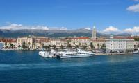 Quake shakes Croatia coast causing panic