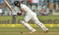 Kohli drives India to ´golden´ lead over England