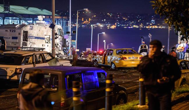 Car bomb and suicide bomber strike Istanbul, 13 killed