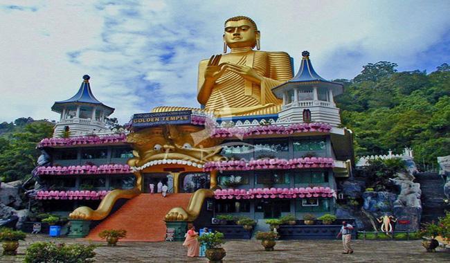 Sri Lanka tourism hits record $3.5 bn in 2016