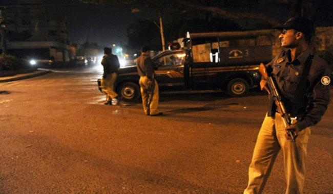 Two dacoits shot dead by citizen in Karachi