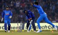 India beat England in 2nd ODI, clinch series