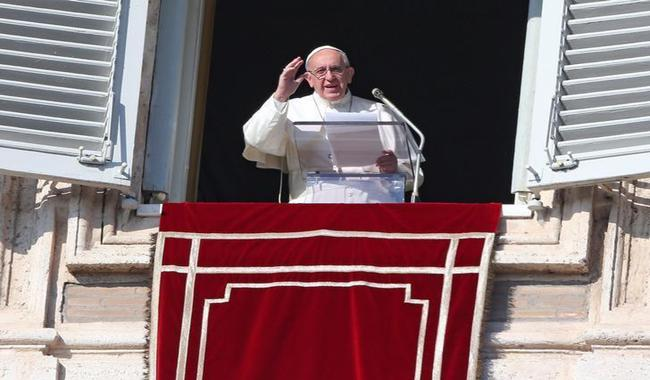 Pope warns against populism and ´saviours´ like Hitler
