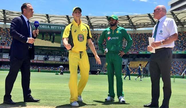 Australia win toss, bat in fourth Pakistan ODI