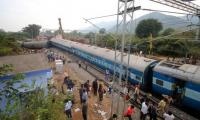 Death toll rises to 39 in India train crash