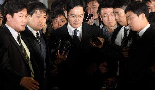 Samsung chief Lee arrested as S.Korean corruption probe deepens