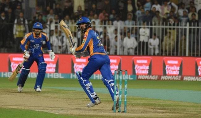 PSL2017: Babar, Shoaib help Karachi Kings reach 174