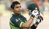 Umar Akmal leads Qalandars to victory over Islamabad United in PSL