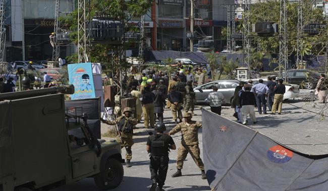 8 dead, 21 injured as blast rocks DHA Lahore