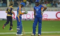 Gladiators defeat Karachi Kings by six wickets