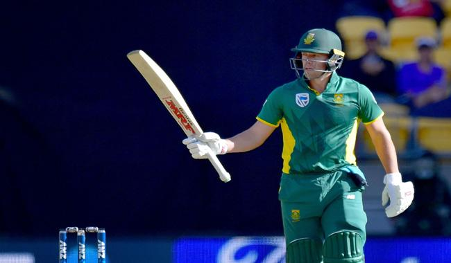 De Villiers passes milestone in big South Africa win
