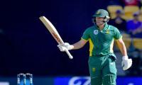 De Villiers passes milestone in big South Africa win