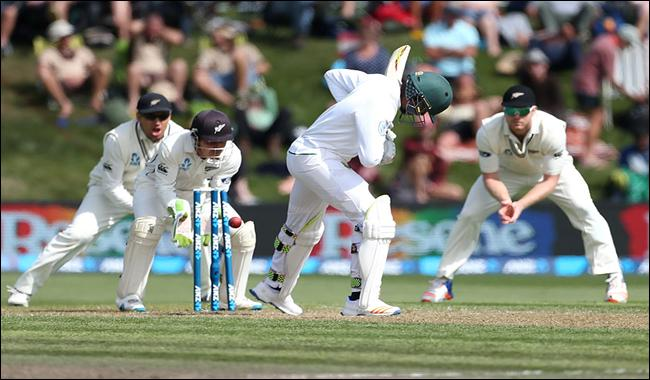 South Africa all out for 308 in New Zealand