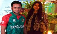 Bangladesh player freed in girlfriend snaps case