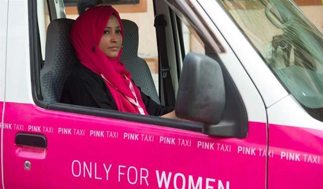 """Women-only """"pink taxis"""" set to hit Karachi streets by tomorrow"""