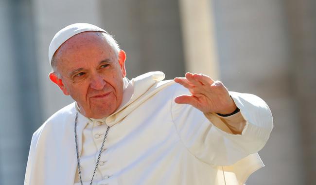 Pope praises British Muslim leaders
