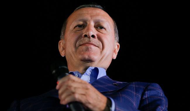 Erdogan declares referendum victory, opponents plan challenge