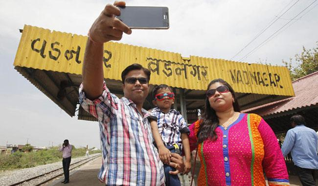 Railway station where Modi sold tea gets Rs8 crore facelift