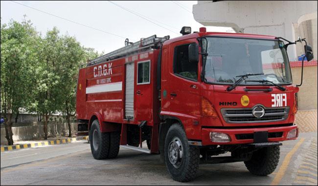 Massive fire breaks out in tyre warehouse in Karachi