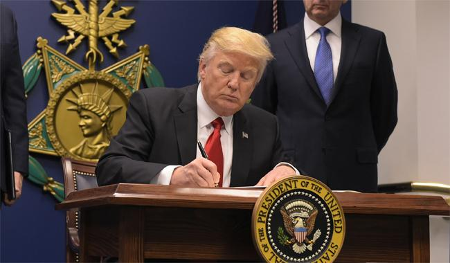 U.S. judge blocks Trump sanctuary city order