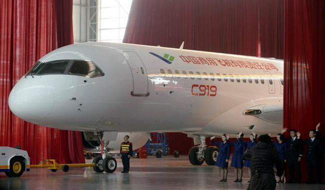 China's 1st large homemade passenger jet taking to the skies