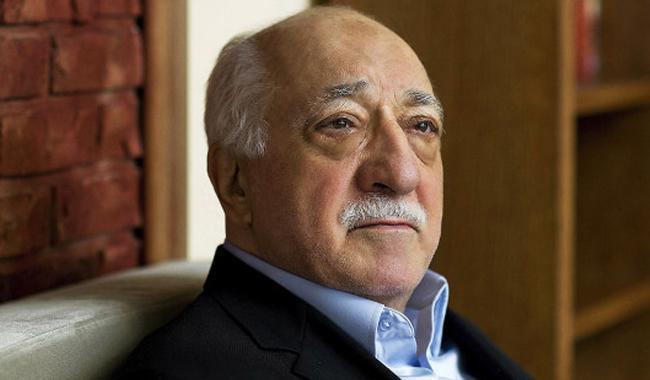 Gulen asks West to help Turkey return to democratic path