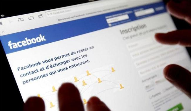 EU fines Facebook 110 mn euros over ´misleading´ info in WhatsApp takeover