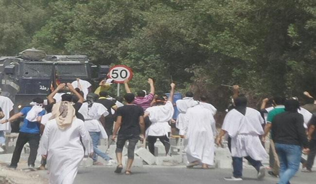 Five killed during Bahrain police raid on protest