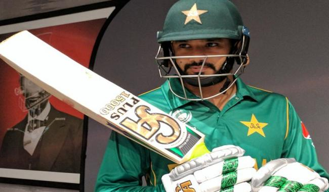See photos of Pakistan Team bat signing and headshots in new kit