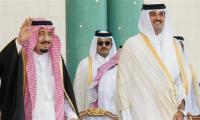 Kuwait emir in talks with Saudis, Qataris amid crisis