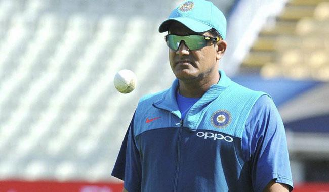Defeat from Pakistan deprives Kumble of coaching job