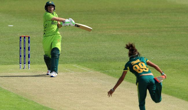 South Africa edge out Pakistan in thriller