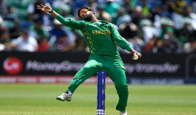 Imad Wasim becomes top-ranked T20I bowler