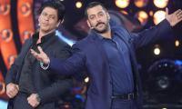 Shah Rukh Khan gifts Salman Khan a luxurious car