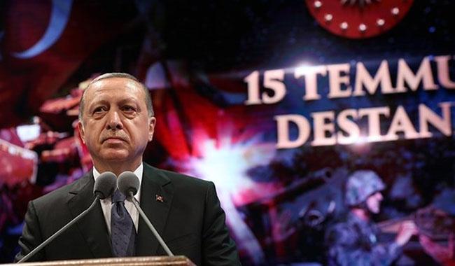 Erdogan threatens to ´chop off traitors´ heads´ in coup bid anniversary speech