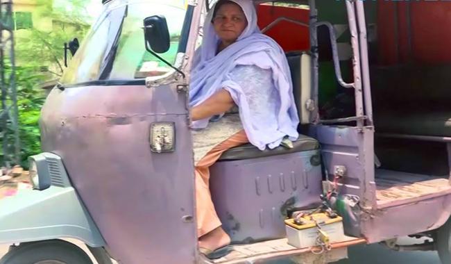 Meet Lahore's first woman auto rickshaw driver Parveen Bibi