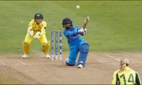 India bat against Australia in women´s semi-final