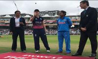 England bat first against India in Women's World Cup final