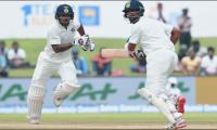 India bat in first Test, bring in Pandya for debut