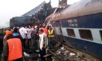 At least 10 dead as train derails in India