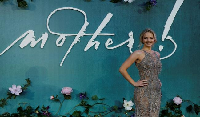 Jennifer Lawrence laughs off sharply divided ´mother!´ reviews