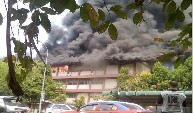 25 students & teachers killed in Malaysian religious school fire