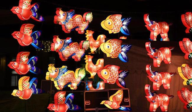 Mid-Autumn Festival: Chinatown illuminated
