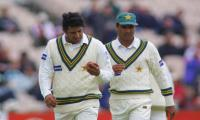 Wasim Akram shares throwback picture with Waqar Younis