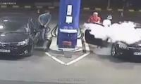 Watch what happen when customer refused to put out cigarette at fuel station